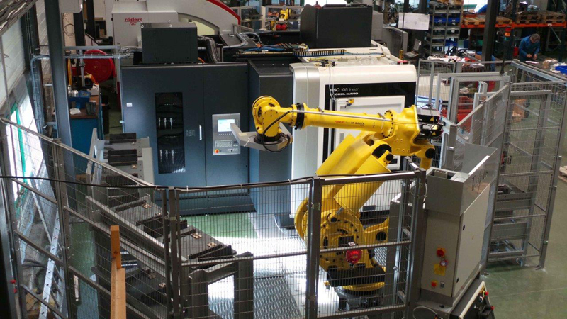 TECHPLUS ENGENEERING ROBOTIC - PALLETS AND TOOLS HANDLING